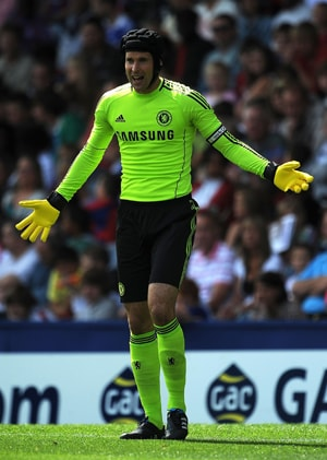 Chelsea's Petr Cech sidelined with broken finger