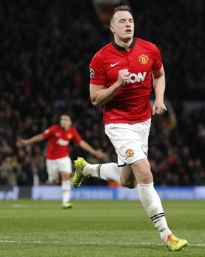 Manchester United lose injured Phil Jones for two weeks