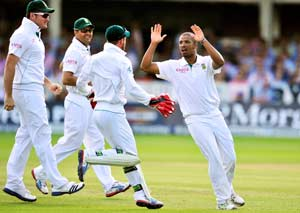 Philander double leaves England reeling