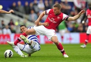 Premier League: Arsenal defeat QPR 1-0