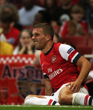 Lukas Podolski ruled out for three weeks