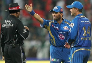 IPL 2013: Sachin Tendulkar likely to miss remainder of the tournament with injury