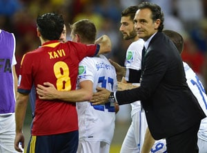 Spain can show Italy the way, says coach Cesare Prandelli