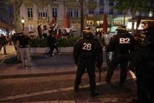 French PSG cancels celebrations after clashes