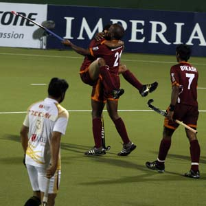 Pune Strykers beat Karnataka Lions 3-2 in WSH