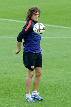 Barcelona captain Carles Puyol considering retirement: Reports