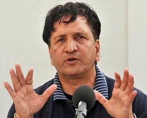 Abdul Qadir criticizes turning pitches in India-Australia Tests