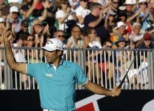 Quiros leads Dubai World Championship, McIlroy slips