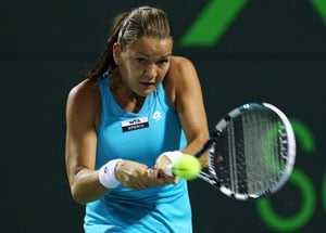 Radwanska beats Bartoli to enter Miami final
