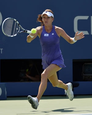 Bethanie Mattek-Sands upsets Agnieszka Radwanska in Sydney International