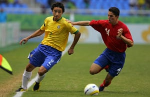 Rafael to replace Daniel Alves in Brazil squad