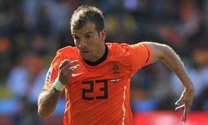 Euro 2012: Van der Vaart sours Dutch mood further