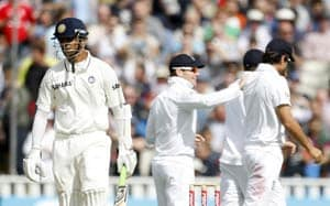 England crush India to take the top Test-spot