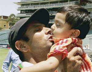 Rahul Dravid's 7-year old son shows glimpses of his father's brilliance