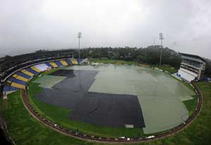 Rain ruins second day's play between Sri Lanka and Pakistan