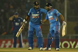 4th ODI, Mohali: India defeat England by 5 wickets to claim series