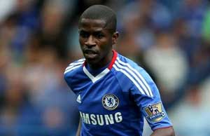 Chelsea midfielder Ramires signs new 5-year deal