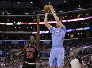 NBA: Jared Dudley, J.J. Redick lead Los Angeles Clippers' 121-82 rout of Chicago Bulls