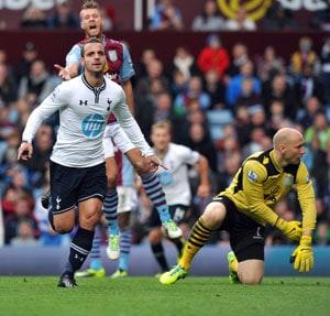 Soldado, Townsend help Tottenham beat Villa