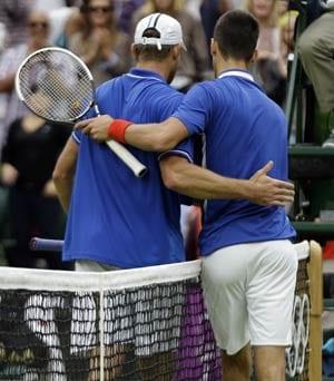 London 2012 Tennis: Djokovic crushes Roddick to send warning signals