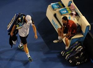 Hewitt through on Roddick retirement