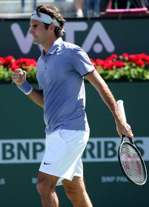 Roger Federer reaches fourth round at Indian Wells