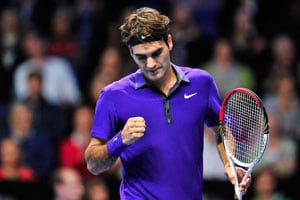Roger Federer beats David Ferrer to reach World Tour semi final