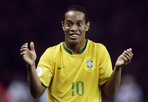 Ronaldinho vows 'to give everything' to Brazil's cause