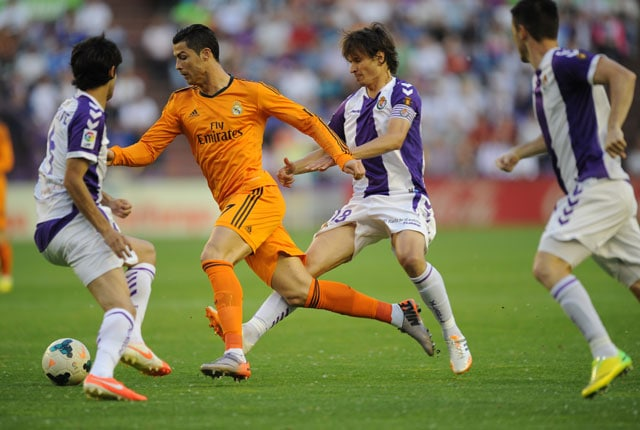 La Liga: Injury Forces Cristiano Ronaldo Off Early Against Valladolid