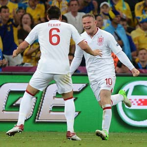 Wayne Rooney returns for final England qualifiers