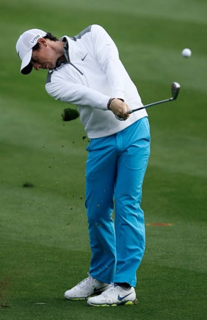 Rory McIlroy takes lead in first round of Dubai Desert Classic