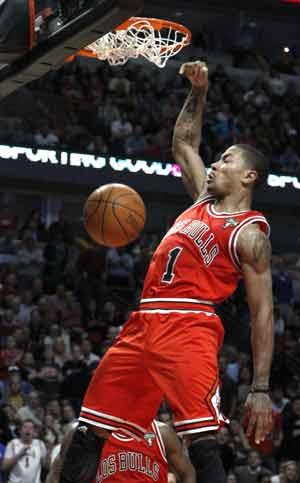 Rose scores 32 to lead Bulls past Knicks 104-99