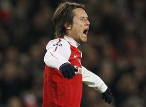 Tomas Rosicky signs new contract at Arsenal