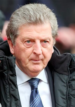 Roy Hodgson holds England job talks