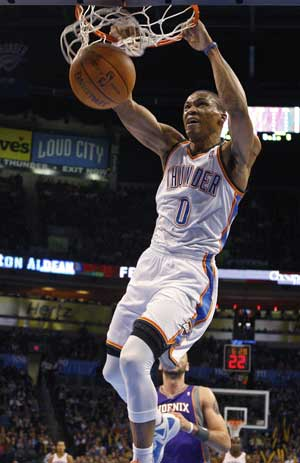 Westbrook helps Thunder coast past Suns, 107-97