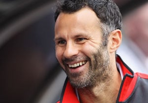 Giggs to discuss future with Manchester United