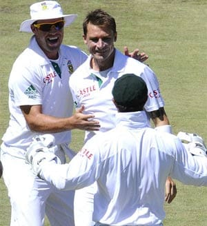 South Africa clinch series with 10-wicket win