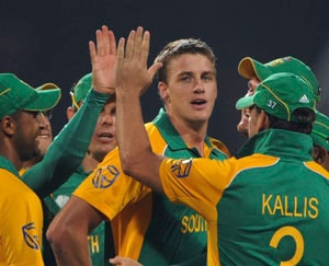 Clinical South Africa surge into quarterfinals