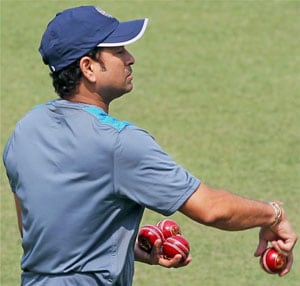 Amid farewell frenzy, Sachin Tendulkar trains at Eden Gardens