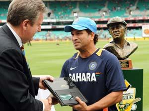 Tendulkar gets honorary life membership of Sydney Ground