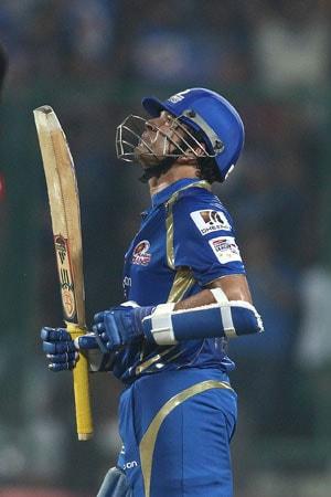 Kolkata sports stores give Sachin Tendulkar's 199th Test a miss