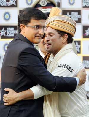 When 'Prince of Kolkata' Sourav Ganguly hugged 'God of Cricket' Sachin Tendulkar