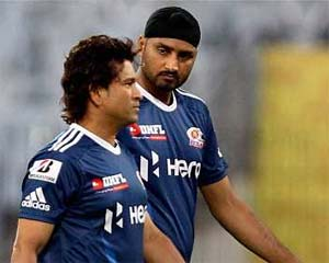 Sachin Tendulkar deserves more than Rajya Sabha nomination: Harbhajan