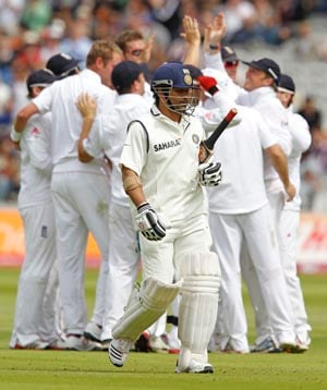 Sachin falls to Broad: Collective gasp, then silence