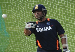 Sachin Tendulkar trains while most of Team India skips practice