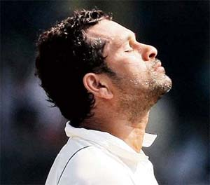 Pakistani daily rues Sachin Tendulkar's fall from grace