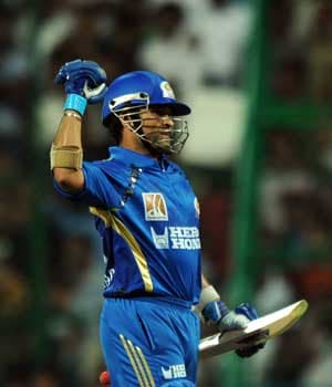 Cricket fraternity wish Sachin happy birthday