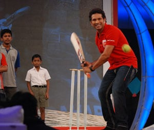 'Sir' Sachin reveals his cricket secrets at NDTV Support My School Campaign