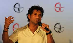 Sachin Tendulkar defends rotation policy in Australia