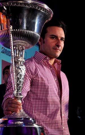 Saif Ali Khan wants more films on hockey